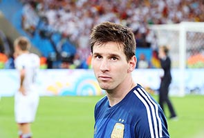 MESSI ALREADY A GREAT, SAYS SABELLA