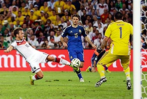 GOETZE'S 113-MINUTE GOAL LANDS GERMANY THE WORLD CUP