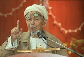 Khalid tetap MB Selangor - Nik Aziz