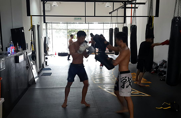 Former MIMMA featherweight champion and ONE fighter Keanu Subba doing some pad work drills at Klinch MMA gym. - Klinch MMA Facebook pic