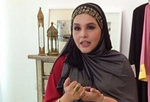 Noryn Aziz selamat lahirkan bayi lelaki