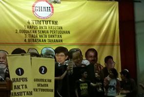 Akta Hasutan: Najib komited, namun dapat bangkangan pengikutnya - Saifuddin