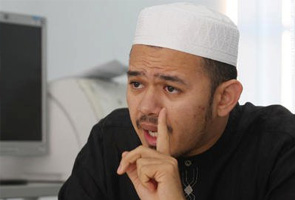 Hudud: 'PAS kahwin dengan DAP dan PKR, kenapa hendak anak nama UMNO?' - Fathul Bari