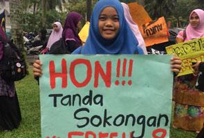 Mahasiswa UM anjur 'flashmob' tanda solidariti UM8