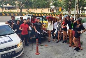 Hey, it's Lisa Surihani the 'cab driver'!