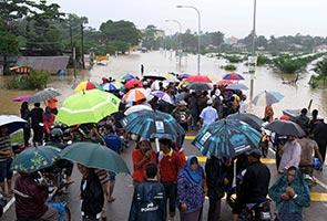 Banjir: Empat gadis 'nekad' tidur dalam kereta lebih empat hari