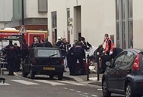 12 terbunuh dalam insiden tembakan rambang di Paris