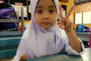 Dugaan anak istimewa, Ainaa Amanda di hari pertama persekolahan