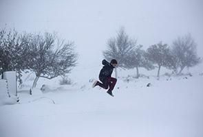 Emiriyah Arab Bersatu dilanda 'salji', penduduk terkejut dan teruja