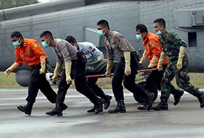 QZ8501: Divers may have found crashed AirAsia co-pilot's body