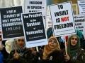 Umat Islam protes kartun Charlie Hebdo di London