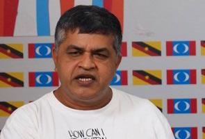 Tweet menghasut: Kartunis Zunar ditahan polis