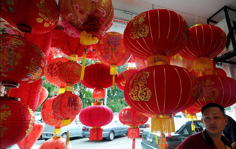 konfusianisme dalam masyarakat cina Dalam arti yang sesungguhnya filsafat baru mulai berkembang di cina pada masa munculnya konfusianisme konfusius atau k'ung fu-tzu atau kong hu chu (551-479sm) lahir di kota chou, wilayah ch'ang p'ing, negeri lu.
