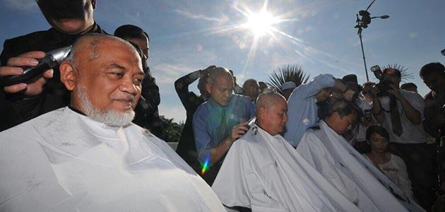 Botak kepala simbolik tuntut Anwar dibebaskan