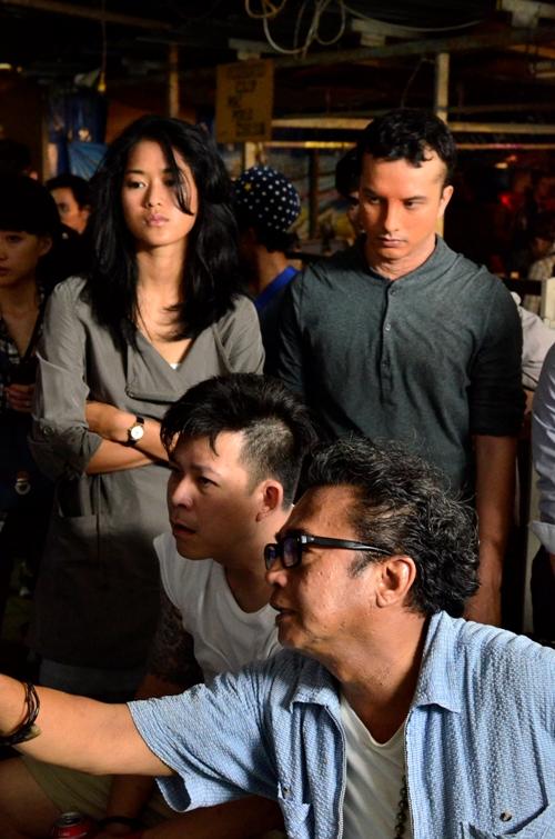 Pelakon Prisia Nasution sebagai Iva dan Nicholas Saputra (Belian) bersama pengarah Dain Said dan pengarah sinematografi Jordan Chiam - Foto oleh Danny Lim (c) Apparat 2015