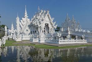 Pelancong China didakwa pengotor Kuil Putih terpaksa bina tandas baharu