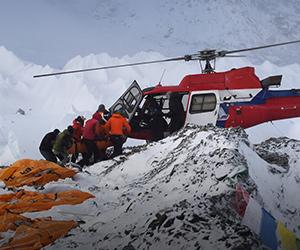 Runtuhan salji Everest