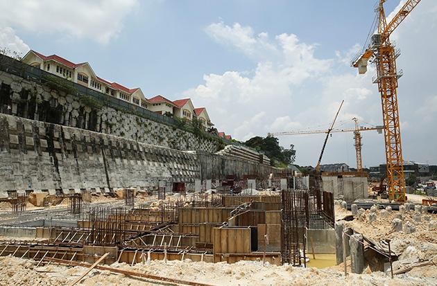 Sk Taman Sungai Besi Indah Students Move To Temporary Premises Astro Awani