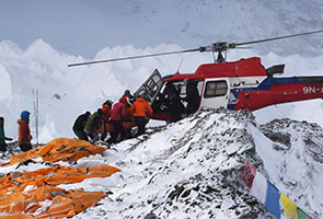 Helikopter bantu pendaki terkandas di Gunung Everest