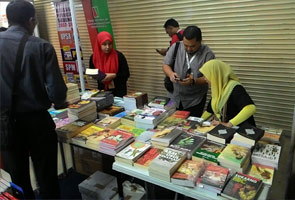 Tindakan KDN rampas buku di Pesta Buku tidak bijak - Kota Buku