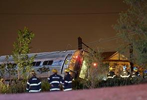 5 maut berpuluh cedera dalam nahas kereta api di Philadelphia