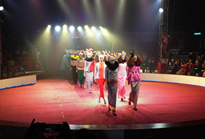 Circus-themed Hari Raya with Emma Maembong, Liyana Jasmay