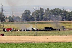Pesawat tentera terhempas di Sepanyol, 3 maut