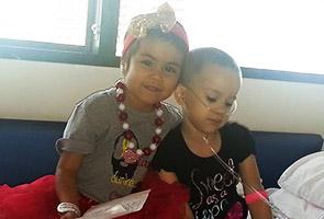 Dua pesakit kanser cilik jadi kawan karib ketika jalani rawatan kemoterapi