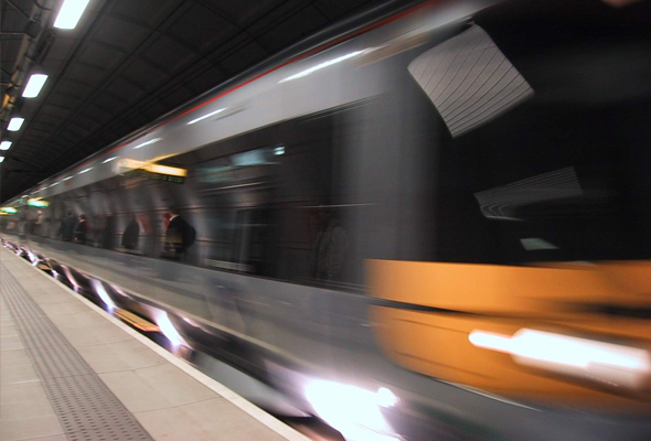 Sistem Transit Rapid yang menjadi penghubung terbaharu antara Malaysia dan Singapura dijangka membantu merancakkan ekonomi kedua-dua negara.