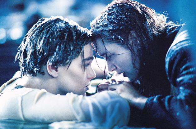 Kate Winslet mengalami hypothermia kerana enggan memakai sut khas untuk babak di lautan.