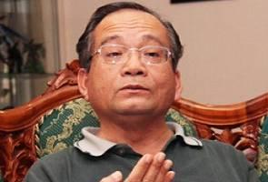 'Golongan muda UMNO jadi liar bila senior parti gila projek' - Atory
