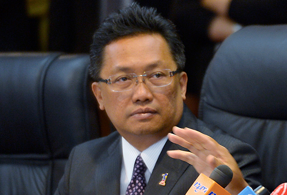 Datuk Seri Abdul Rahman Dahlan is urging the Opposition to stop its allegations which could hurt the country's economy.