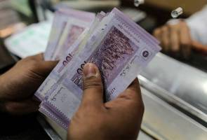 Weakening ringgit, brace for the impact, says expert