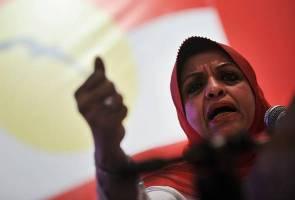 'Jangan paksa Muhyiddin letak jawatan' - Shahrizat