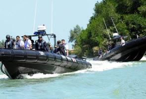 APMM Sarawak tahan empat bot, 35 nelayan asing