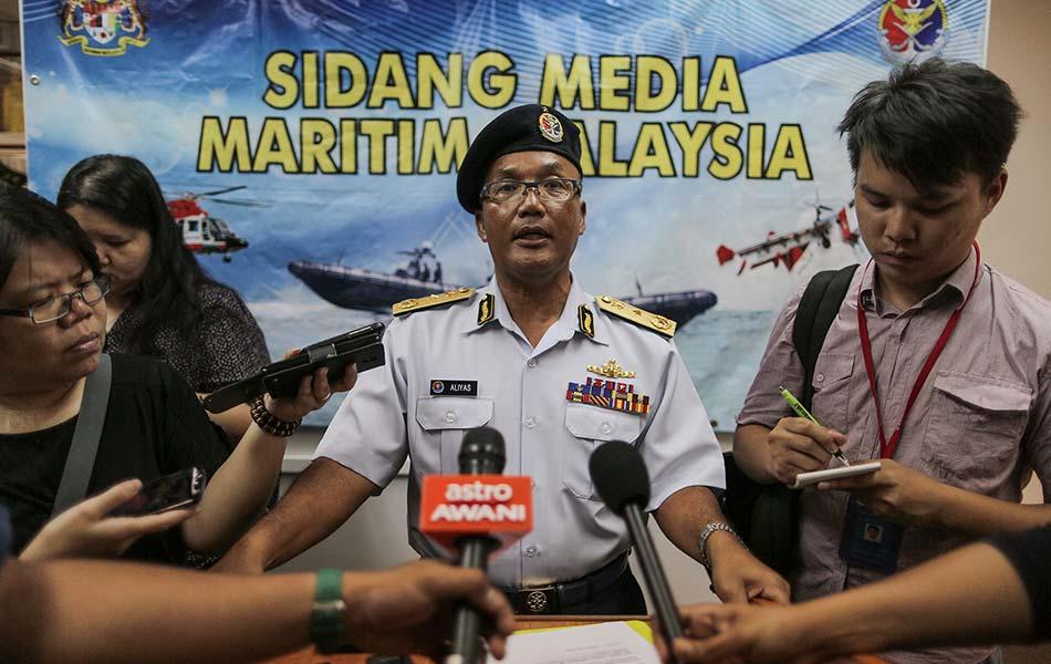 Sabak Bernam Malaysia  city pictures gallery : Insiden bot karam di Sabak Bernam | Foto | Astro Awani
