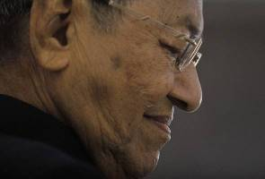 Perhimpunan Agung UMNO 2015: Tun M dijemput hadir - Ahmad Zahid