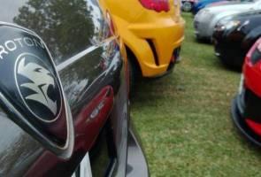 Proton kekalkan harga kereta biarpun ringgit susut - Dr Mahathir