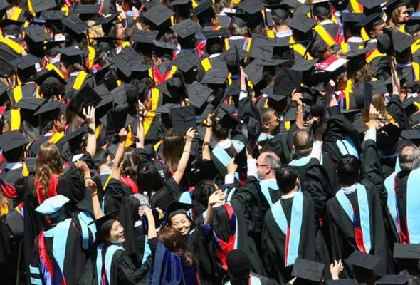 Foto unik hari konvokesyen jadi pilihan graduan