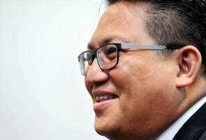 Saman Dr Mahathir terhadap Najib hanya gimik politik - Nur Jazlan