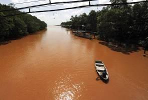 Sungai dan laut Balok bertukar merah, pendapatan penduduk terjejas