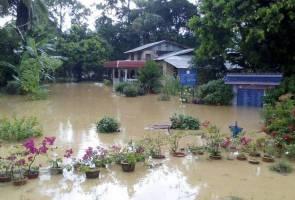Sungkai dilanda banjir kilat, 16 orang dipindahkan