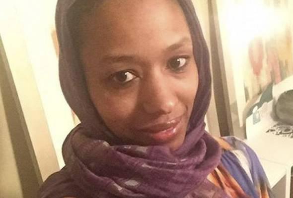 Wanita Kristian memakai hijab tidak takut dikenakan tindakan disiplin