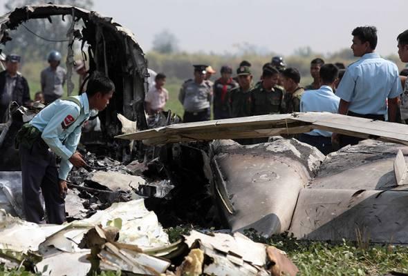 Empat anggota tentera Myanmar maut selepas pesawat dinaiki terhempas