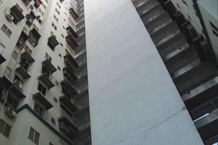 Bangunan flat di mana seorang ibu mencampak bayinya dari tingkat 18. - Astro AWANI