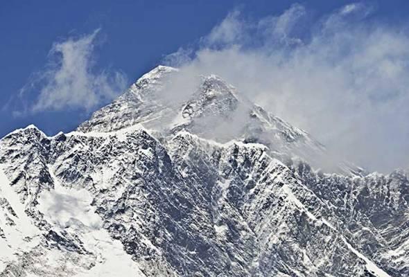Nepal keluarkan larangan pendakian solo ke Everest