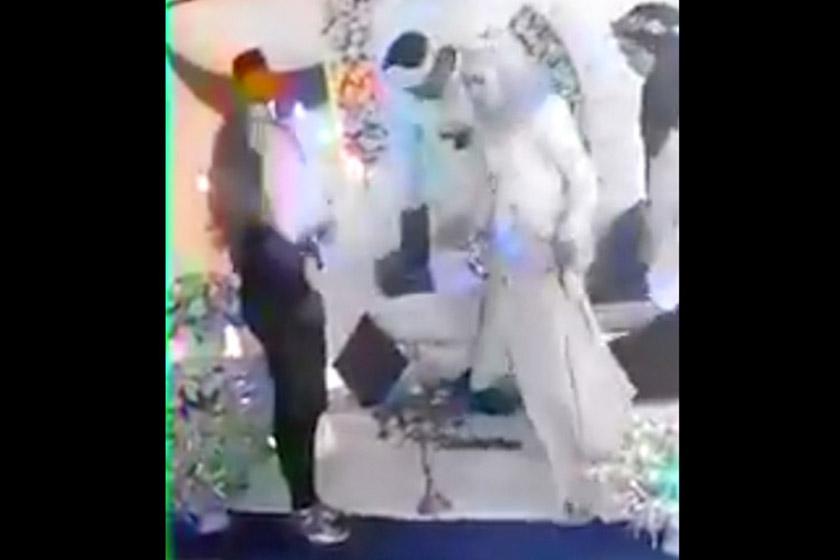 Wanita serang suami di majlis persandingan