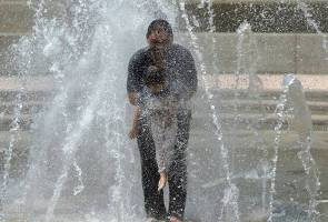 Cuaca panas di Malaysia: 8 tip kekal 'sejuk'