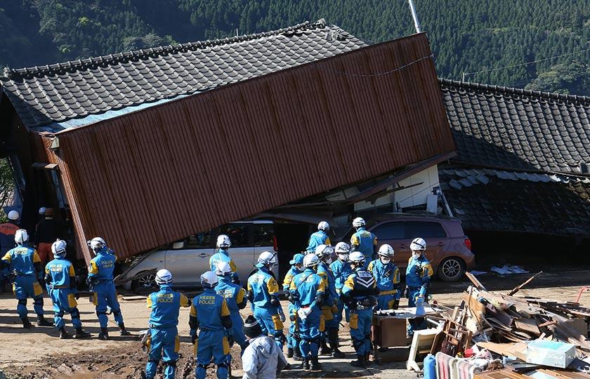 Susulan gempa itu, agensi meteorologi Jepun pada awalnya mengeluarkan amaran tsunami namun menariknya balik. - Foto AFP