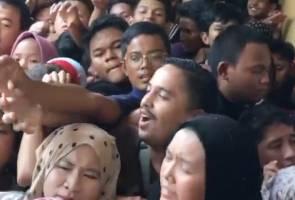 Pelanggan 'merusuh' rebut giliran beli tudung, promosi Fareeda dipertikai
